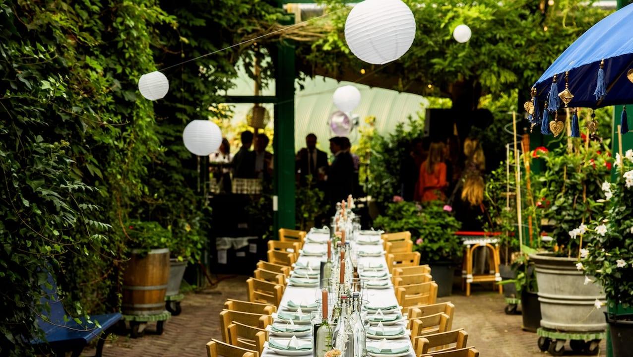 Maandelijkse restaurantavond in de binnentuin